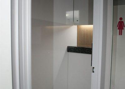 2-1-luxury-recirculating-toilet-trailer-600